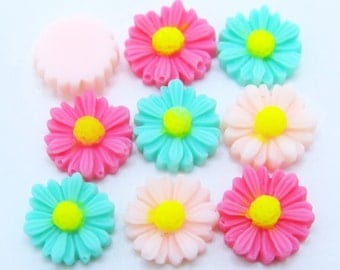 9PCS - Daisy Flower Cabochons - 12mm - Sampler Pack - 3 Colors - Pale Pink, Pink and Mint