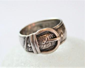 Vintage sterling silver belt ring. UK size N.  US size 6 5/8