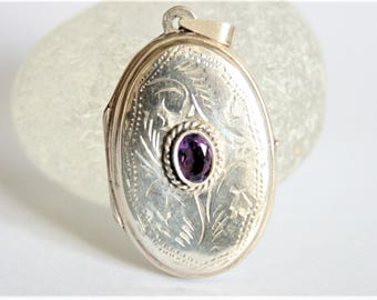 Vintage sterling silver locket with amethyst. Oval locket. Large locket. Vintage jewellery
