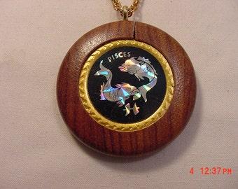 Vintage Hologram Pisces Zodiac Sign Wood Necklace  16 - 737