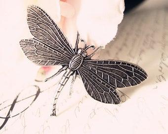 Sturdy dragonfly Aligator Clip-aged brass-bridal-medieval-shabby chic-steampunk-mythology V014