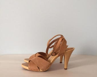 40% OFF SALE... almond leather strappy sandals   criss cross ankle straps platform heels   size 7.5