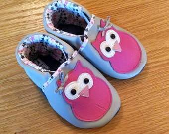 Owl baby girl shoes size 5/ 12-18 months
