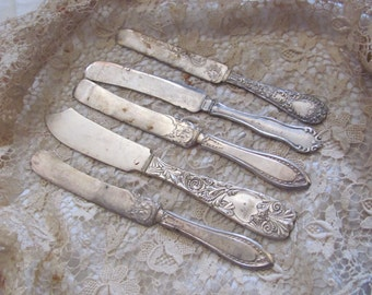 Knives - Lot of 5 French Blade Silver Plate Spreader Butter Knives - Assorted Patterns (#6) Craft