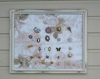 Magnets from vintage jewelry and buttons, super fun and sparkly memo board magnets with magnetic backs, photo display for your fridge