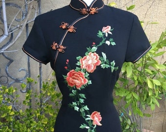 SALE 35% OFF Vintage NOS with tag Black Chinese Asian floral peony embroidered Cheongsam cockrail wiggle dress size S