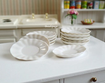 Miniature Oval Plate - White Flower Scallop Edge Tableware Dollhouse Fake Food DIY Craft Food Jewerly (size: 2cm x 3cm)