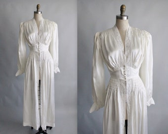 40's Dressing Gown  / 1940's Silky Old Hollywood Glamour Bridal Boudoir Dressing Gown XS