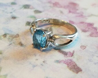 Vintage Sterling Silver and Semi Precious Stone Ring Blue Topaz Aquamarine Size 6 Oval Faceted