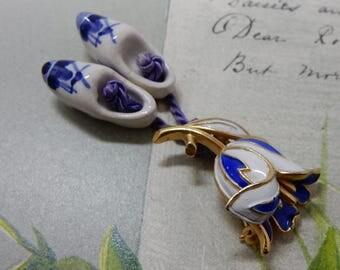 Crown TRIFARI Miniature Blue & White Enamel Tulip Brooch w/ Dutch Shoes    OY50