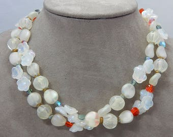 Vintage Iridescent White Glass Flower Bead Necklace   OAH39