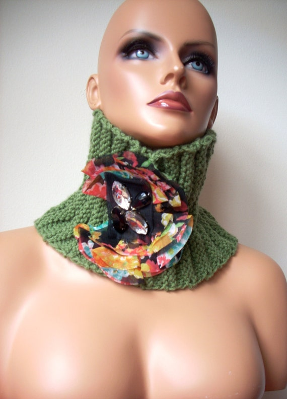 Free shipping, Christmas gift, hand made neck warmer, scarf, knitted scarf, women accessories
