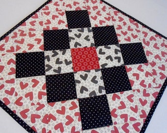 Valentine Quilted Table Topper, Quilted Table Runner, Quilted Table Topper, Modern Valentine Decor, Valentine Hearts, Black Red Ivory