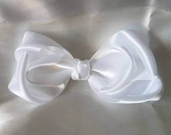 Simple satin bow