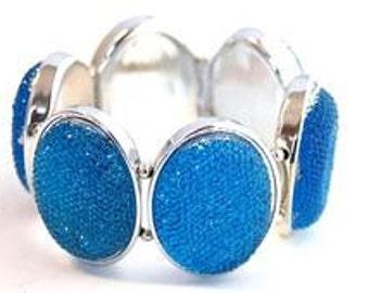 Glitter bracelet Lucite stretch Silvertone sparkly blue
