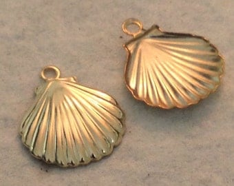 2 Gold Sea shell Charms -  14kt Gold Filled Ocean - Beach Charms - S7