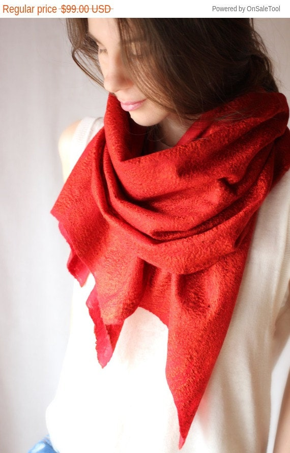Red Felt Scarf, Wool Scarf. Womens Scarf, Red Infinity Scarf, Gift For Her, Neck Accessory, Red Shawl, Fashion Gift,Autumn Scarf, Boho Scarf