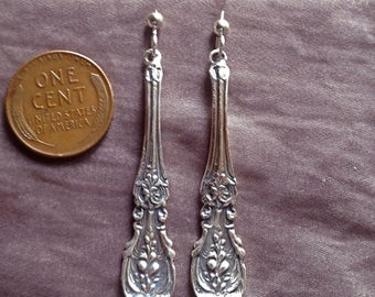 Reed and Barton 1907 Francis the First long sterling silver bride spoon earrings chandelier dangle vintage flatware jewelry handmade