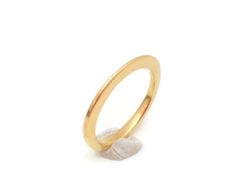 18k Gold Ring - Delicate, tapered, hand forged