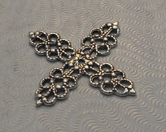 LuxeOrnaments Antiqued Sterling Silver Plated Brass Filigree Wrap Flower 20mm (2 pcs) S-9375-S