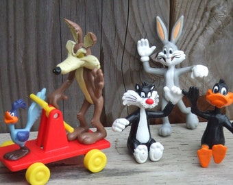 Vintage Plastic Toys Lot. Wile E Coyote with Road Runner, Bugs Bunny, Daffy Duck and Sylvester. Marked 1989. American Classics of Animation.