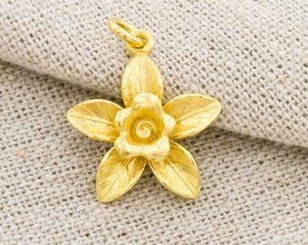 1 of 925 Sterling Silver 24k Gold  Vermeil Style Flower Pendant 17mm.  :vm0810