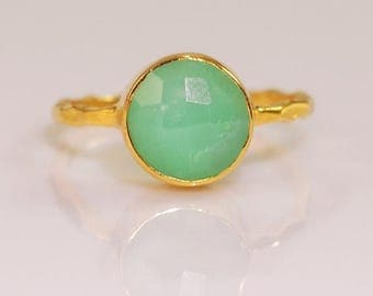 40 OFF - Mint Green Chrysoprase Ring Gold - Solitaire Ring - Gemstone Ring - Stacking Ring - Gold Ring - Round Ring