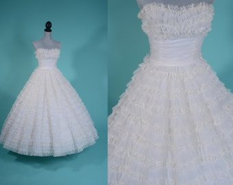 Vintage 1950s Strapless Wedding Dress - Cupcake Gown Lace Chiffon Ruffles - Strapless Bridal Fashions
