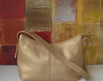 Excellent FOSSIL Metallic Gold Leather Shoulder Handbag