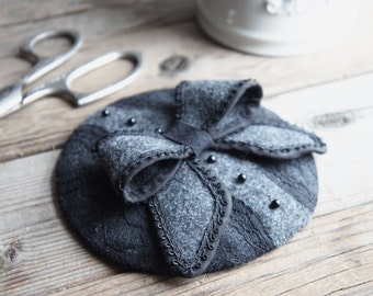 Black And Gray Fascinator - Black And Gray Bow Pillbox Hat - Round Black And Gray Fascinator Hat - Black Lace Bow Fascinator - Felted Hat