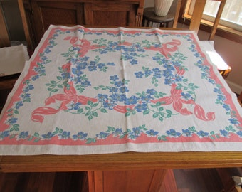 "Sweet Vintage Table Topper Tablecloth 33"" square"