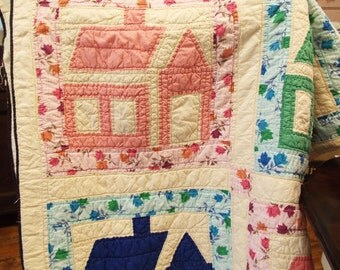 Vintage Handmade Quilt in School House Pattern