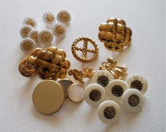 Vintage Gold Buttons - Gold Toned and White Plastic Buttons - Set of Novelty Shank Buttons - Sewing Destash