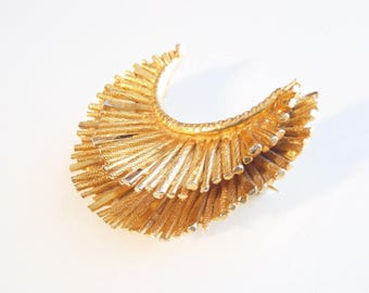 BSK Brooch Gold Tone Crescent Flower or Sunburst Form Costume Jewelry Late Mid-Century 1960s—1970s New York Style Signed © BSK