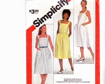 Simplicity 5886 Misses Sundress With Patch Pockets Shoulder Straps Uncut Pattern FF
