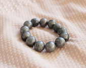 Pearl grey (gray) beaded bracelet. Simply acrylic bracelet. Metallic grey silver bracelet. Gift for her