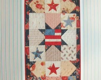 Quilt Pattern, Patriotic Quilt Pattern, Table Runner Pattern, Americana Pattern , Charm Pack Pattern, Applique Pattern, PATTERN ONLY