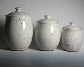 Kitchen canister set in white