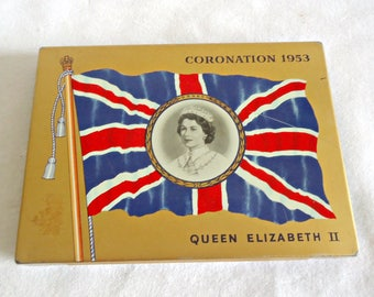 Coronation Tin 1953 Queen Elizabeth II MacDonald 's Export Tobacco Cigarette Case