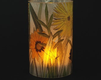 Daisies electric tea light holder.  1 small size with 1 free Electric Tea Light.  Indoor decor.  Outdoor lighting.  LED tea lights cover.