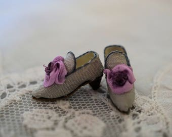 Miniature shoes -Eighteenth century -gray silk with lilac and purple silk flower