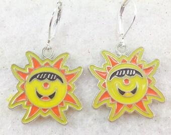 Sun Earrings, Happy Face Earrings, Yellow Earrings, Sun Face Earrings,  Retro Sunny Earrings, Sunny Day Earrings, Cheerful Summer Earrings