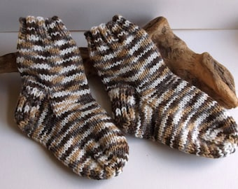 Hand knitted self patterning baby boys or girls socks. 2 to 4 yrs.UK 6, EU 23, US 6  Unisex brown shades