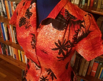HAWAIIAN HONEY--Adorable Little 1980s Cotton Hawaiian Blouse in Red and Black--XS, S