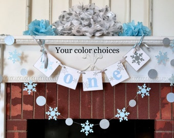Blue and silver Onederland Birthday Decor - I am 1 Photo Prop - High chair Banner & garland - Winter 1st Birthday Boy/Girl - CUSTOM Colors