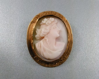 Antique Victorian Gold Filled Angel Skin Coral Cameo Brooch