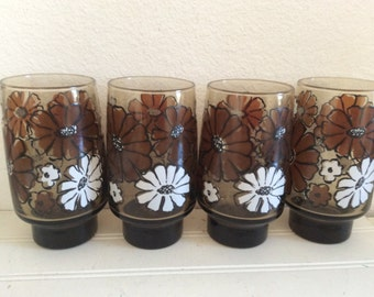Brown Floral Drinking Glasses - 60s Glassware - White Daisies - Retro Flowers - Mid Century - Brown Kitchen - Water Glasses - Vintage