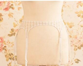 "Vintage 1970s White And Gold Pin Stripe Garter Belt, Suspender Belt. Waist Circumference: 30 - 34"""