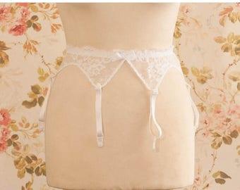 """Vintage White Floral Lace Garter Belt, Suspender Belt. Circumference: 24 - 28"""""""