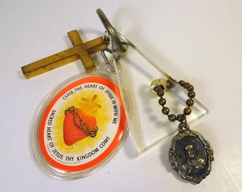 SACRED HEART Medal and Badge CROSS Plexi Triangle Keychain - Key Chain Ring Religious - Catholic